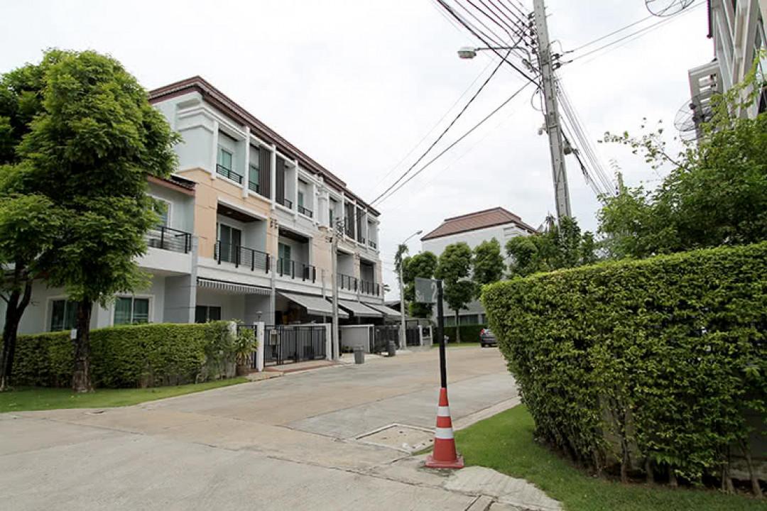 บ้านกลางเมือง เออร์บาเนี่ยน สาทร-ราชพฤกษ์ Baan Klang Muang Urbanion Sathorn-Ratchaphruek